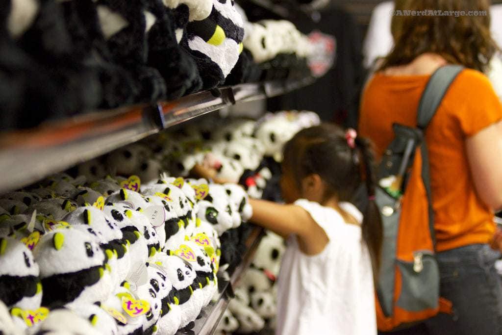 Toronto zoo pandas gift shop