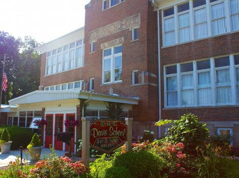 Davie School Inn Illinois Bed and Breakfast